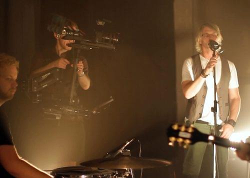 steadicam filming singer